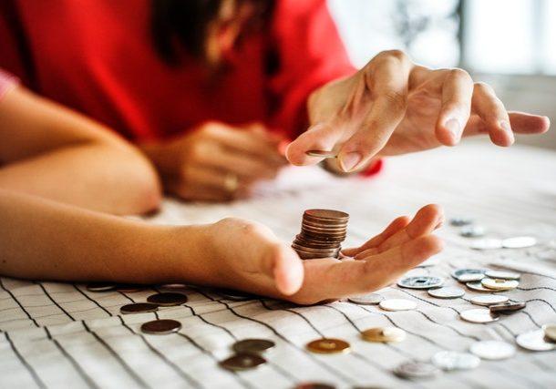 Formas de ahorrar dinero en tus clases de inglés
